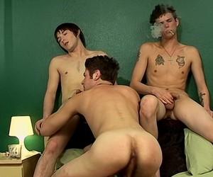 Hardsmokin Threesome  Hardsmokin Threesome