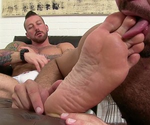 Hugh Hunter Worshiped Until He Cums  Hugh